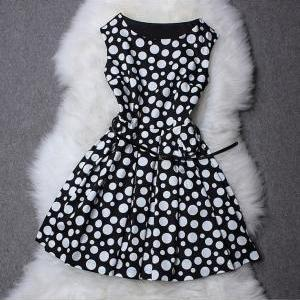 Polka Dot Printed Sleeveless Dress ..