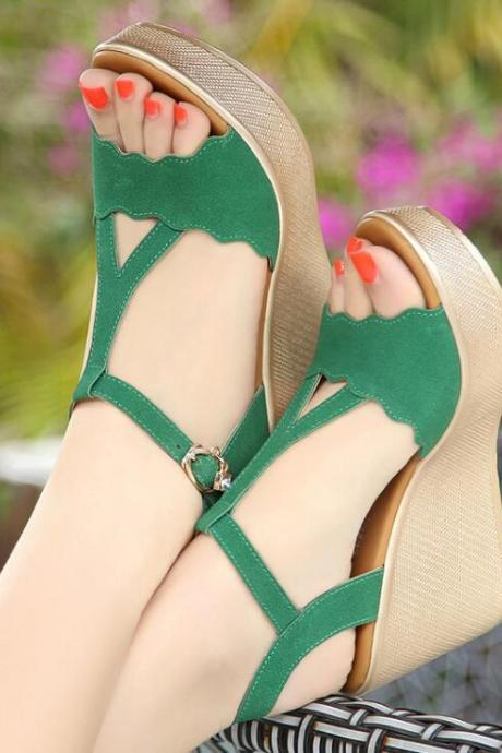 New green platform high-heeled sandals