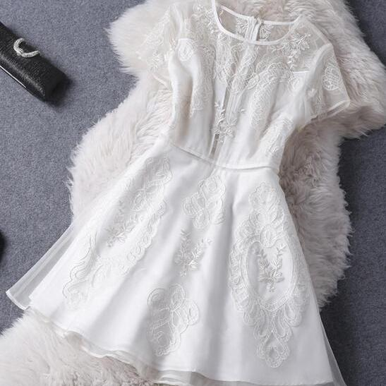 Fashion Chiffon Embroidery Dress