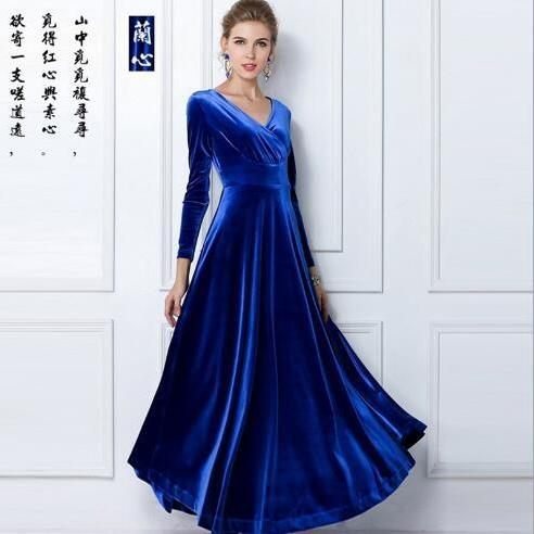 Europe and the United States long-sleeved V-neck long and large mop mop dress